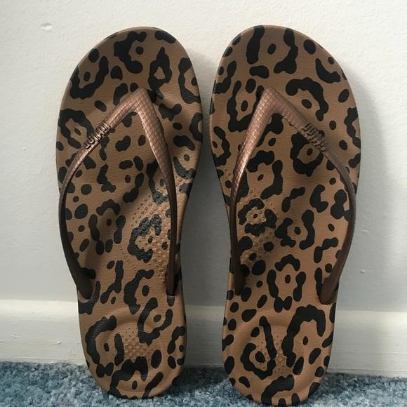 72991419dfc0 NIB Leopard print flip flops